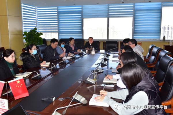 院党委书记朱宏轩到部分行政职能科室调研并座谈